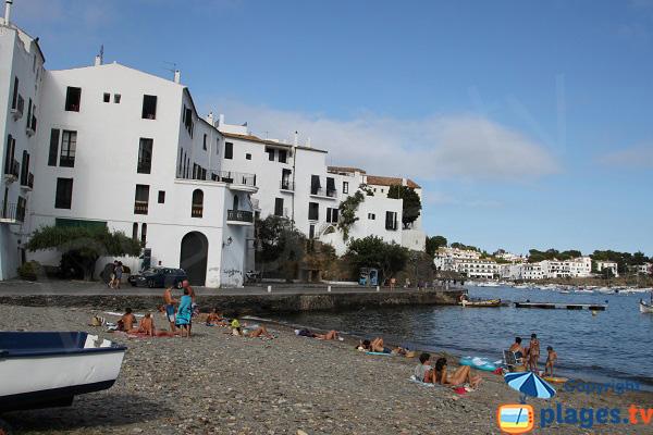 Beachfront promenade in Cadaques