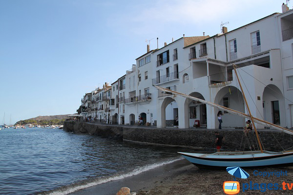 Barques sur la plage de Cadaques - Portdoguer