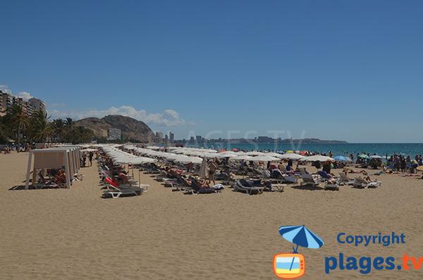 Location de matelas sur la plage Postiguet à Alicante