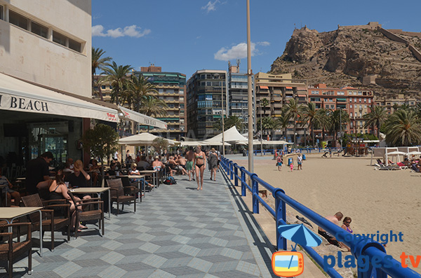 Bars et restaurants le long de la plage de Postiguet à Alicante
