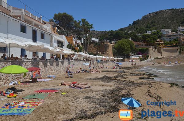 Maisons le long de la plage d'El Portet - Moraira