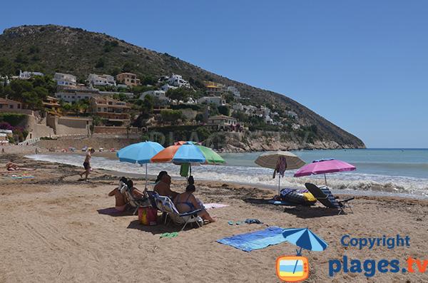 Photo de la plage du Portet à Moraira en Espagne