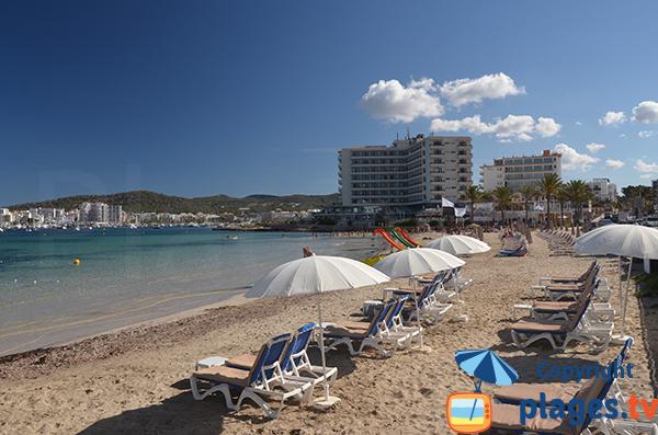 Location de matelas sur la plage des Pouet - Sant Antoni de Portmany - Ibiza