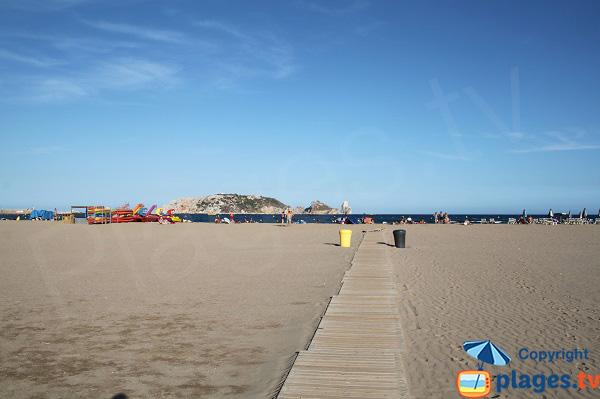 Grande plage de l'Estartit en Espagne