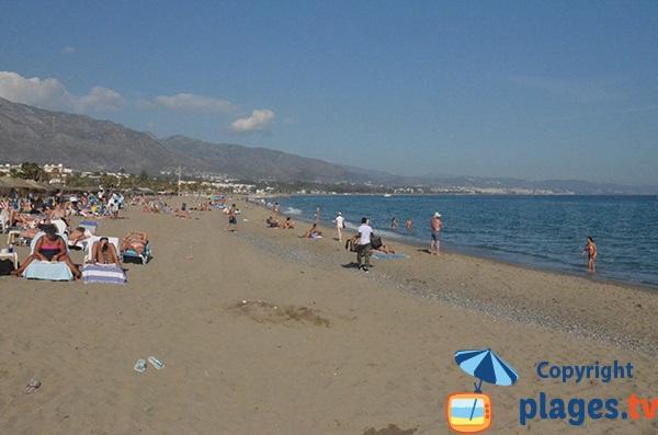 Photo de la plage de Puerto Banus à Marbella en Espagne