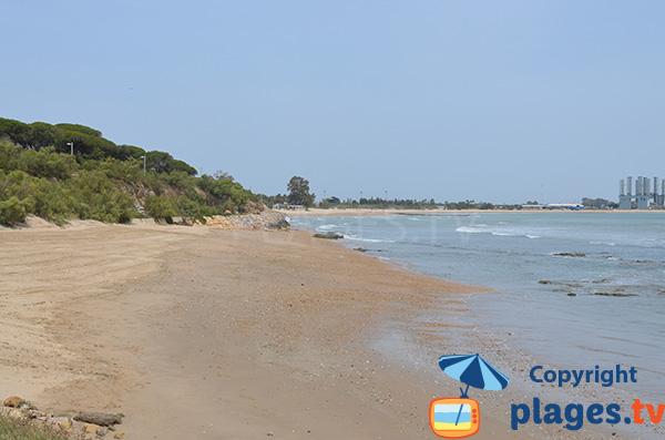 Vue sur la plage de la Puntilla depuis la marina Sherry - El Puerto de Santa Maria