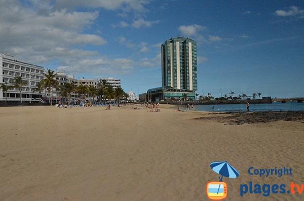 Photo de la plage dans le centre d'Arrecife - Lanzarote