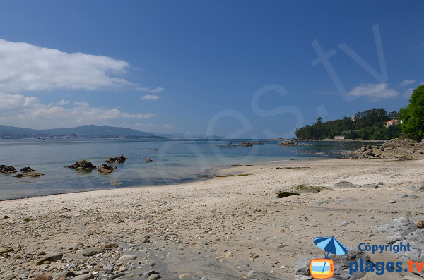 Plage du Rio de Ribeira de Moana - Vue sur le ria de Vigo