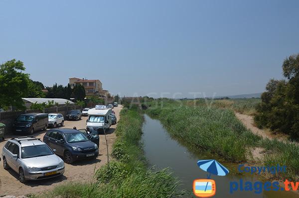 Parking de la plage du Riuet à Sant Pere Pescador