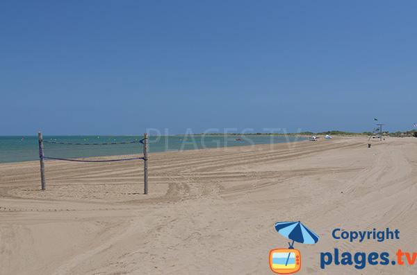 Beach volley sur la plage de Riumar - Tarragone - Espagne