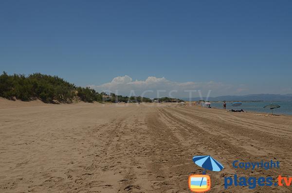 Photo de la plage de Riumar dans le delta de l'Ebre en Espagne