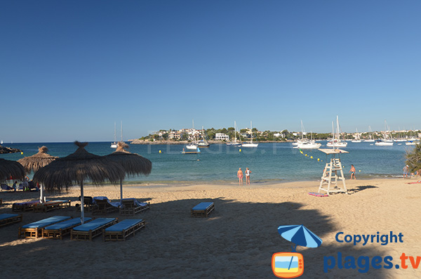 Locations de matelas sur la plage de Portocolom