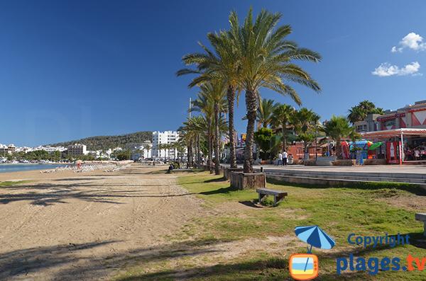 Commerces autour de la plage de S'Arenal - Sant Antoni - Ibiza