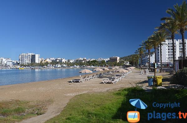 Photo de la plage de S Arenal à Sant Antoni de Portmany à Ibiza