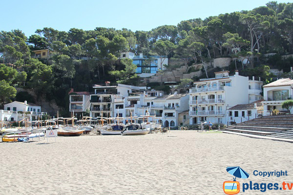 Fisherman's house on the beach of Begur - Sa Riera