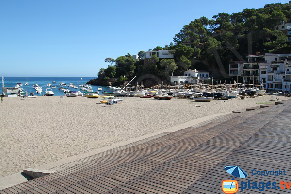 Beach with fishing boats in Begur