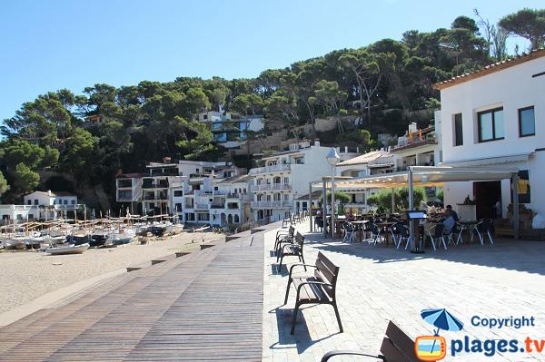 Restaurant sur la plage de Begur de Sa Riera