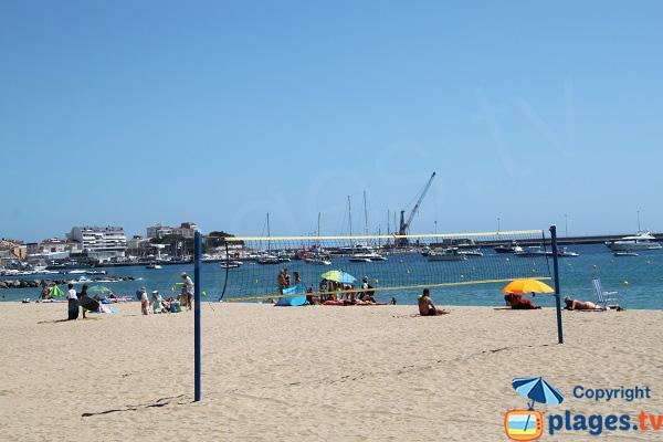 Beach volley sur la plage de Sant-Antoni de Calonge