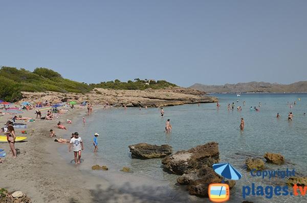 Crique à Port d'Alcudia dans la baie de Pollença - Majorque