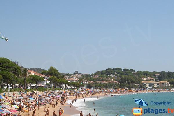 Plage de Sant Pol à Sant Feliu de Guixols en été