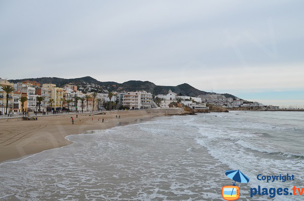 Sant Sebastia beach with view on the port of Sitges