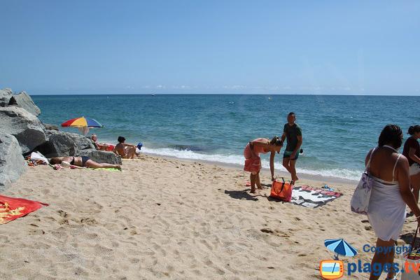 Photo de la plage naturiste de Mataro à proximité de Barcelone