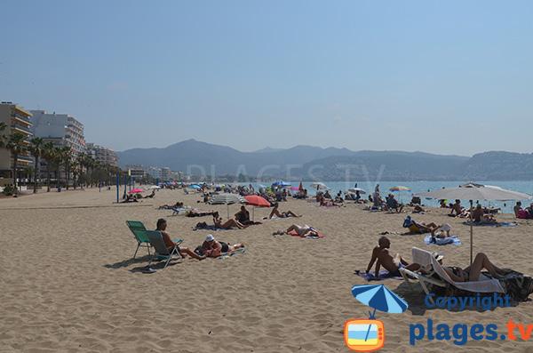 Grande plage de Santa Margarida à Roses - Espagne
