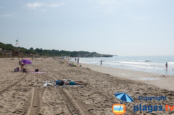 Belle plage à Tarragone - Savinosa