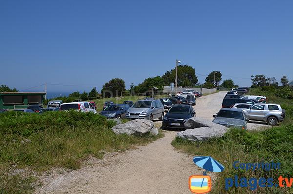 Parking de la plage de Sonabia - Cantabrie - Espagne