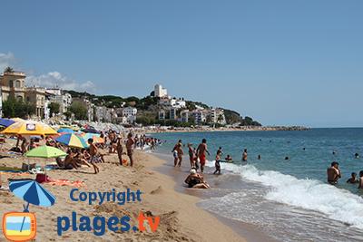 Plage à Sant Pol de Mar en Espagne