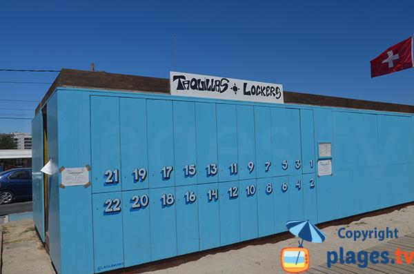 Casiers sur la plage de Talamaca à Ibiza