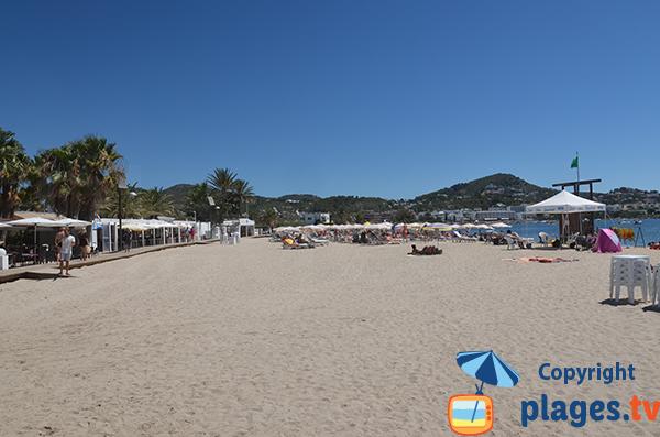 Restaurants sur la plage de Talamaca à Ibiza