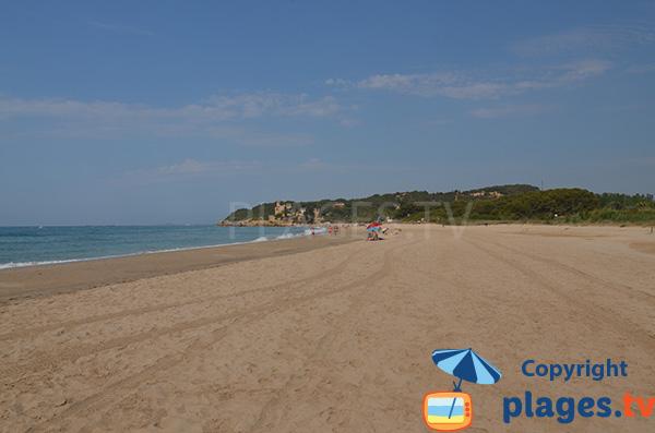 Grande plage au nord de Tarragone