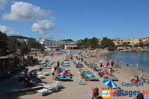 Photo de la plage du Port des Torrent à Sant Josep de sa Talaia - Ibiza