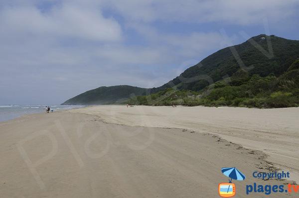 Extrémité de la plage de Trengandin - Noja