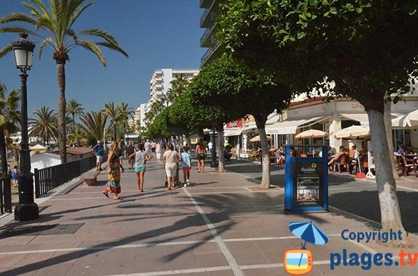 Promenade piétonne le long de la plage de Venus - Marbella
