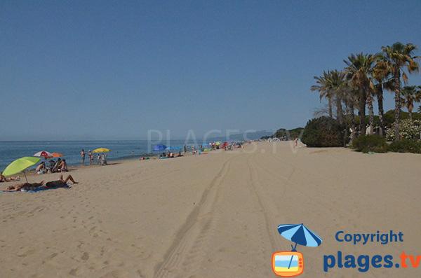 Grande plage à la sortie de Cambrils - Vilafortuny