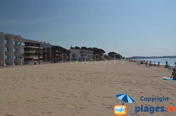 Front de mer au niveau de la plage de Vilafortuny à Cambrils à proximité de Salou
