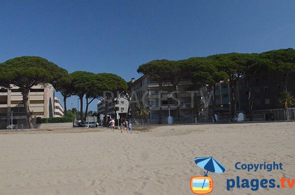 Accès à la plage de Vilafortuny à Cambrils en Espagne