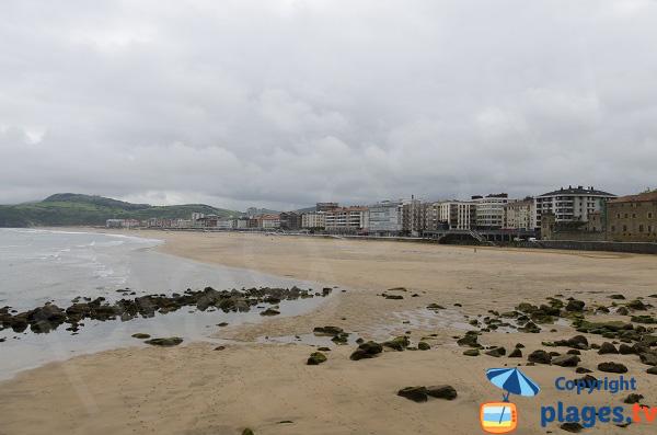 Plage de Zarautz dans le pays basque espagnol
