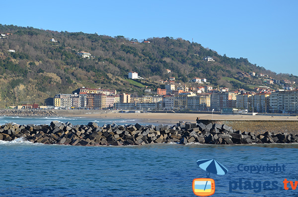 Digue de la plage de Zurriola - San Sebastian - Pays Basque