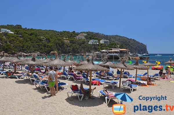 Location de chaises longues à Camp de Mar à Majorque - Espagne