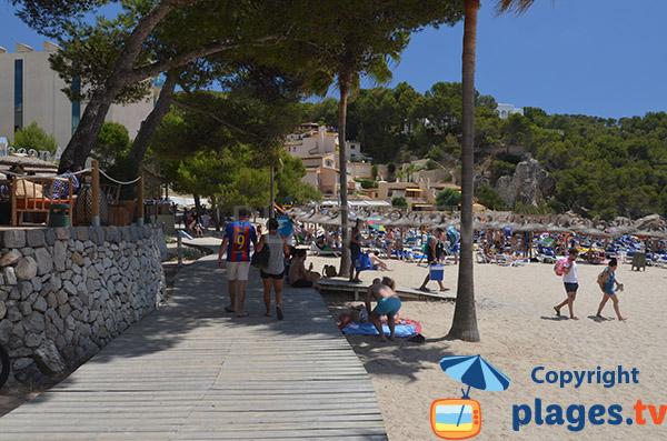 Accès à la plage de Camp de Mar - Majorque