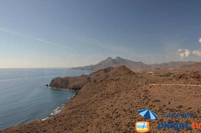 Paysage côtier du parc de Cabo de Gata Nijar en Andalousie