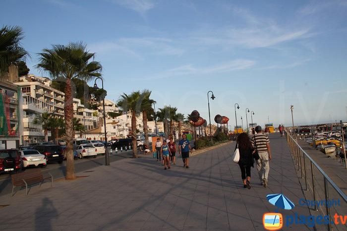 Promenade en front de mer à l'Estartit
