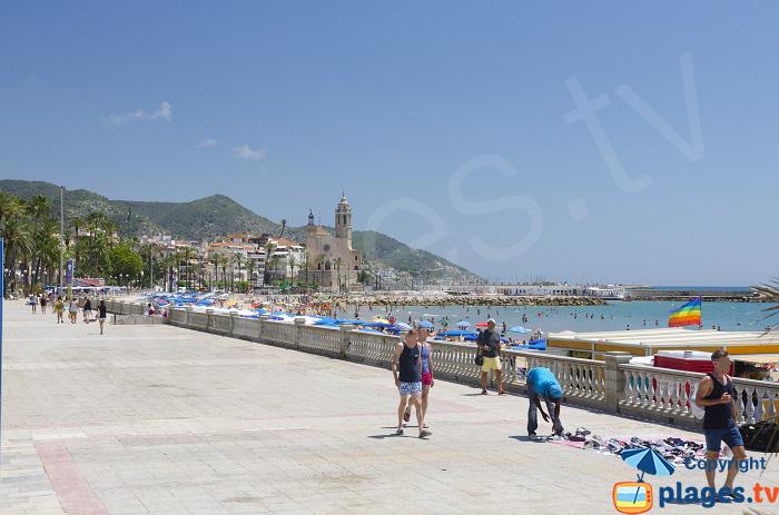 Promenade en front de mer à Sitges