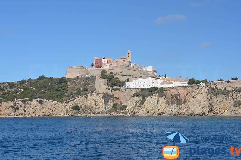 Remparts et église d'Ibiza