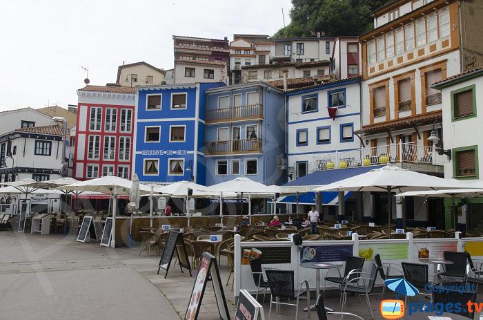 Terrasses des restaurants à Cudillero
