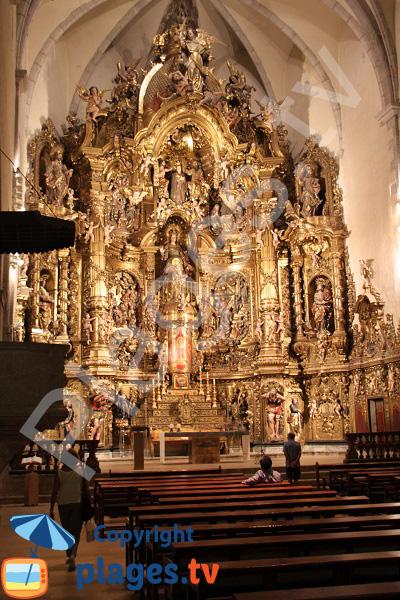 Retable baroque dans l'église de Cadaquès