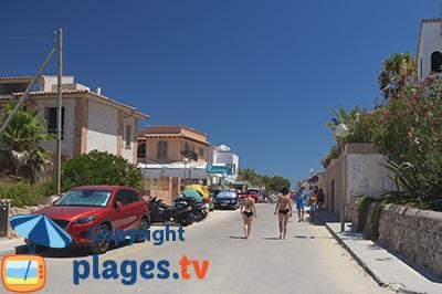 Rue principale de Ses Covetes à Majorque